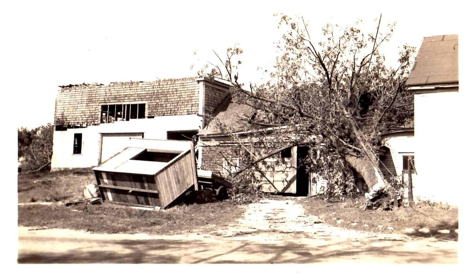 Hen House, Minot's Corner